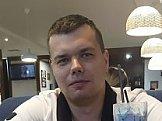 Антон из Уральска знакомится для серьёзных отношений