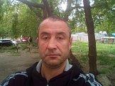 Олег из Екатеринбурга знакомится для серьёзных отношений