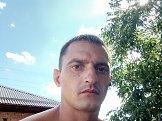 Денис из Краснодара знакомится для серьёзных отношений