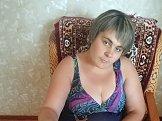 Юлия из Днепропетровска знакомится для серьёзных отношений