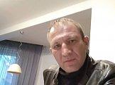 Юрий из Ромнов знакомится для серьёзных отношений